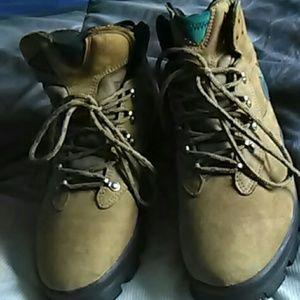 Nike Air Men Boots tan/green